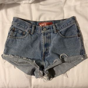 Vintage Levi Shorts (550 Relaxed Fit)